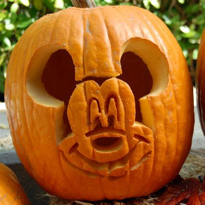 mickey-pumpkin-carving